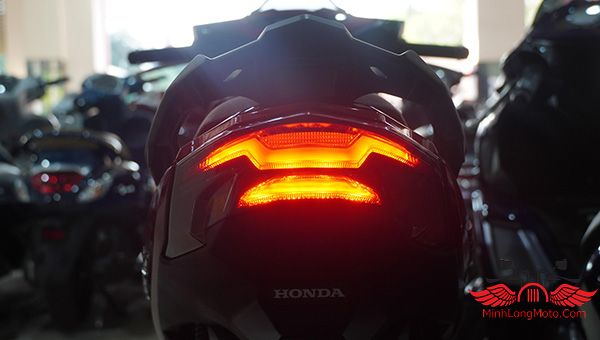 đèn hậu xe máy honda air blade