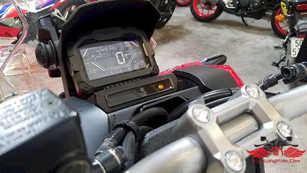 đồng hồ adv 150