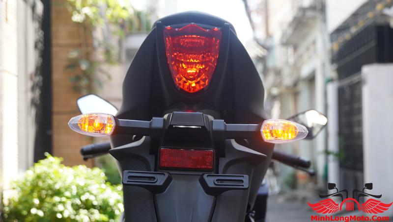 đèn sau xe suzuki gsx r150